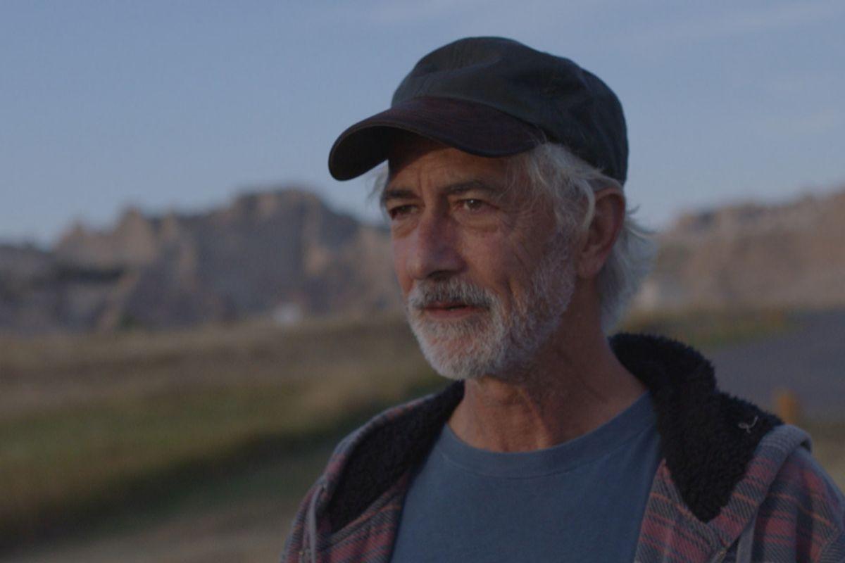 Dave (David Strathairn) es un nómada que coincide con Fern.