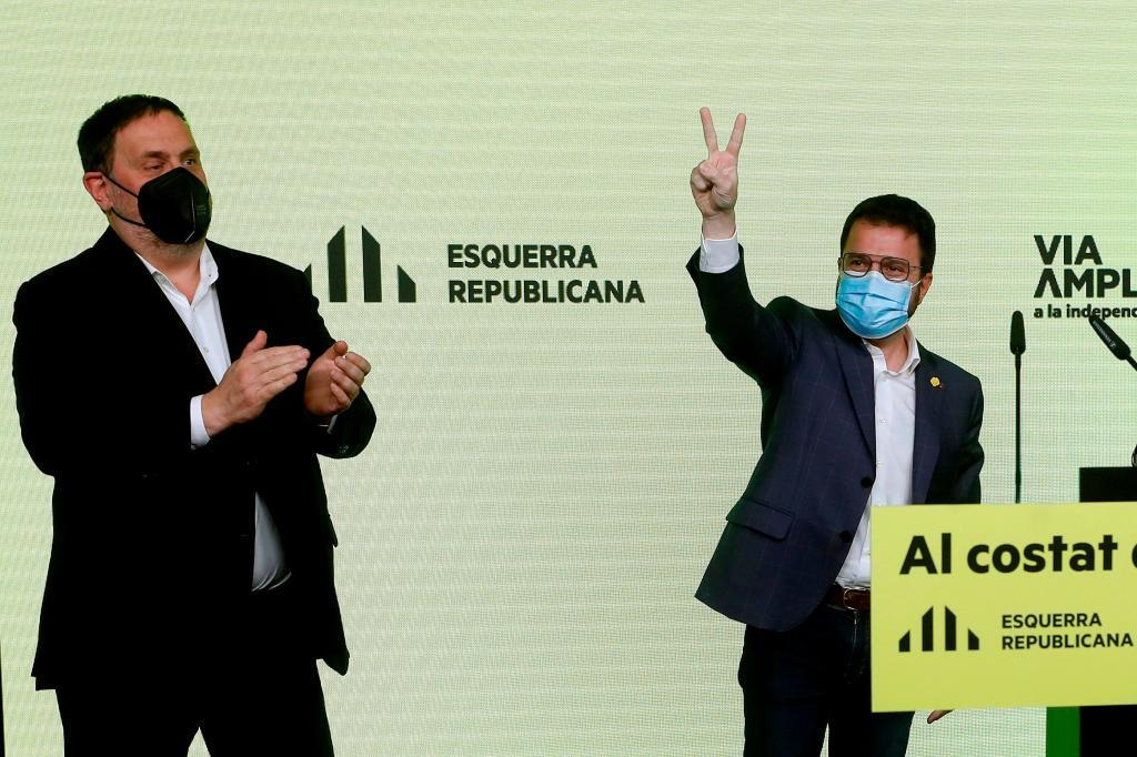 El íder de ERC, Oriol Junqueras, junto al candidato a la Generalitat de esa formacion, Pere Aragonès.