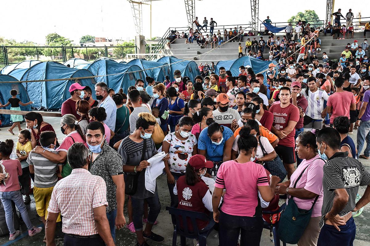 Venezolanos llegan a Arauquita, Colombia.