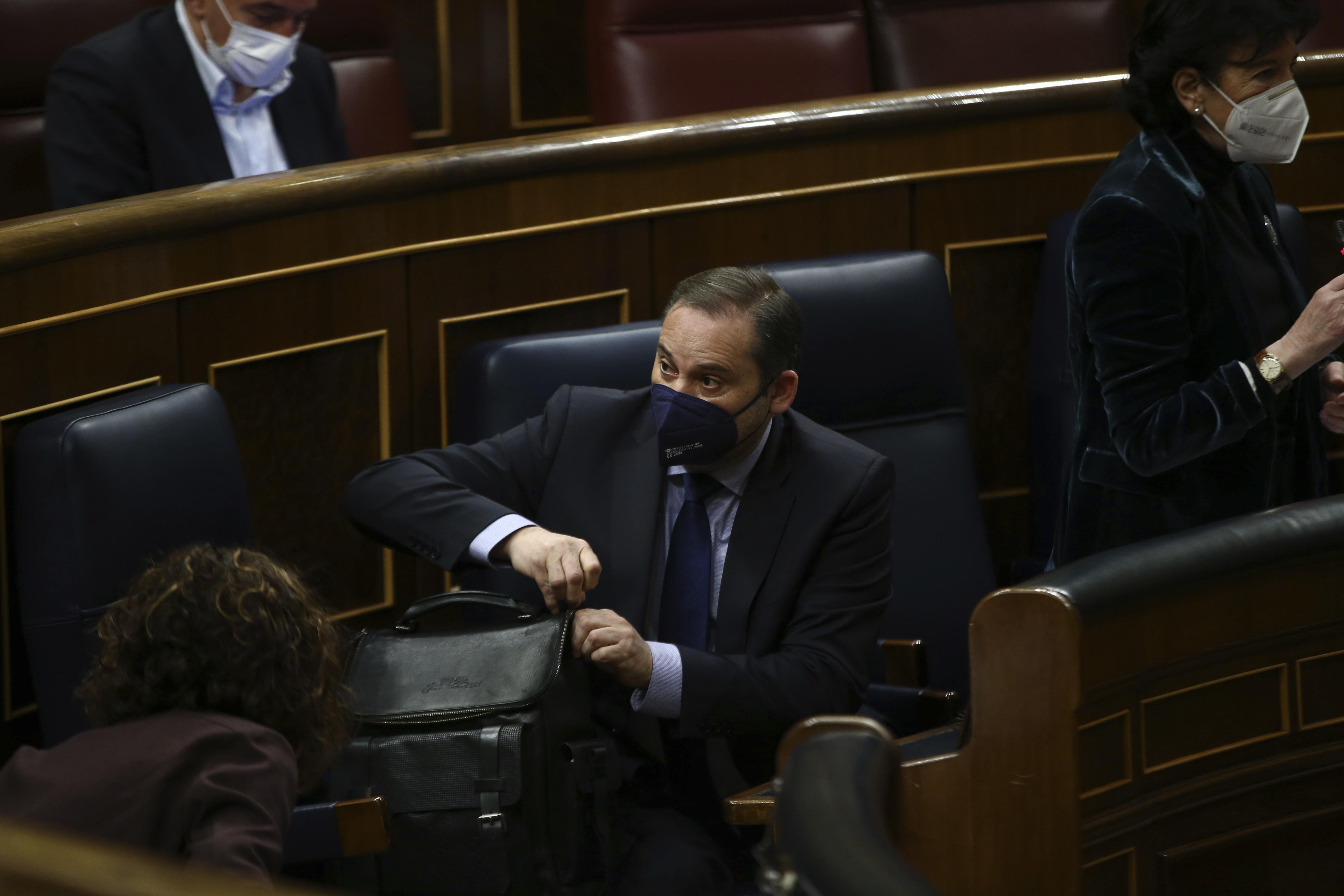 El ministro de Transportes, José Luis Ábalos, este miércoles en el Congreso de los Diputados