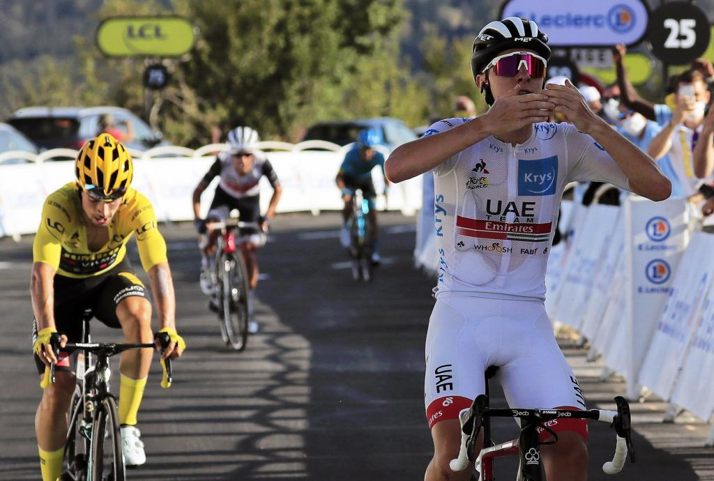 Pogacar, por delante de Roglic, en una etapa del último Tour.