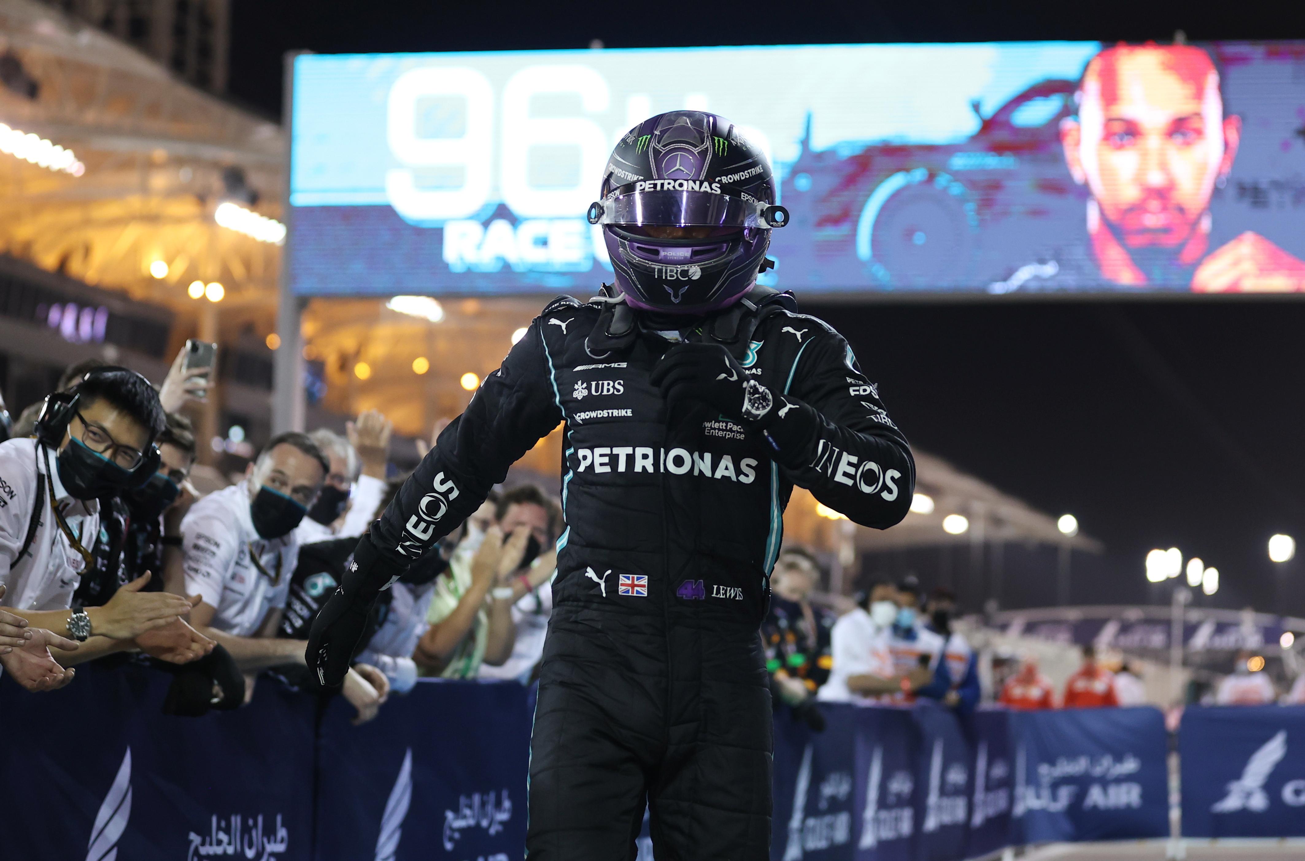 Hamilton, tras su triunfo en el GP de Bahrein.