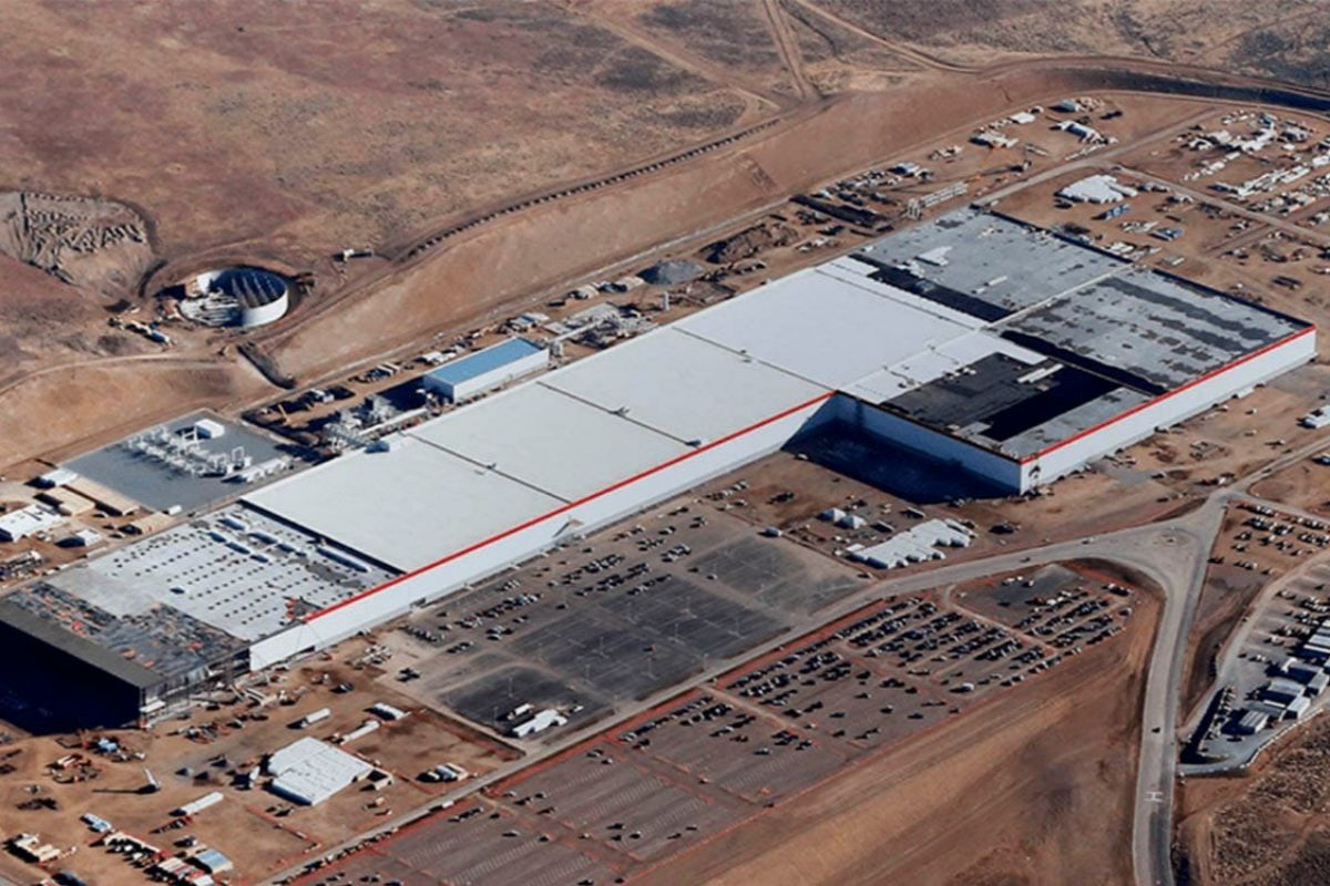 Vista aérea de la Gigafactoria de Tesla en Nevada (EEUU)