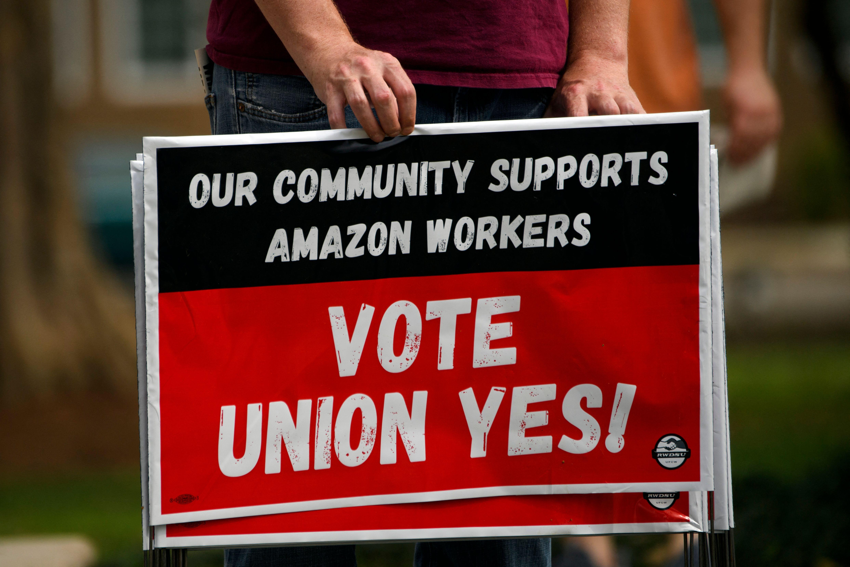 Votación que podría conducir al primer sindicato en Amazon en el centro de Alabama, EEUU.