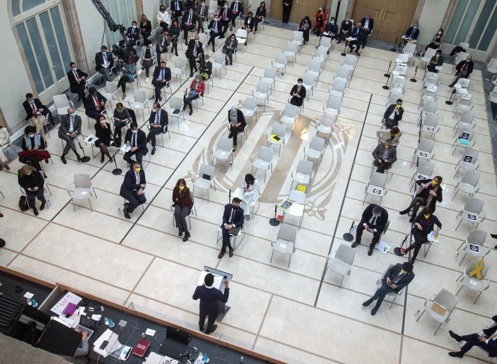Primera sesión de la investidura de Pere Aragonès en el Parlament.