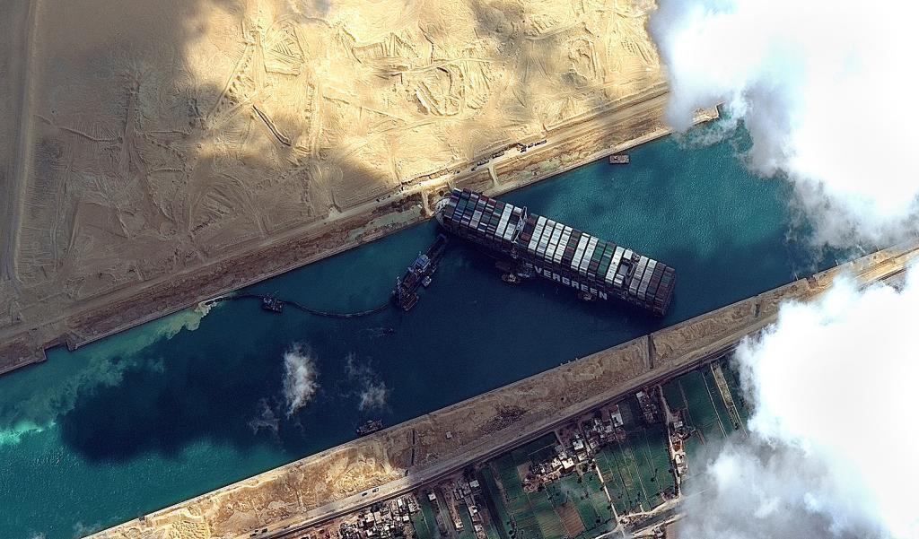 Imagen satélite del Ever Given