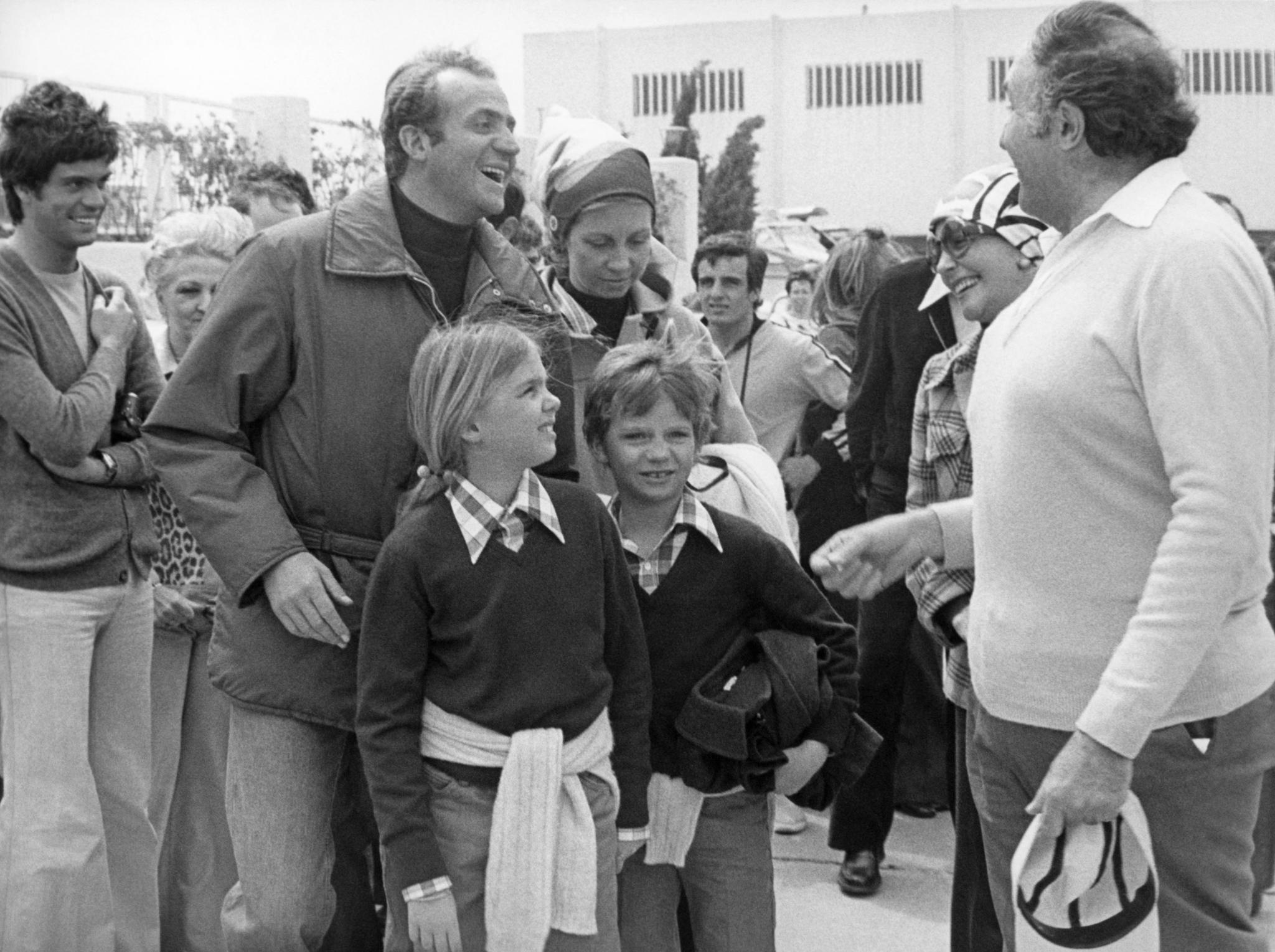 Don Juan Carlos y Doña Sofía, con Cristina y Felipe en 1976
