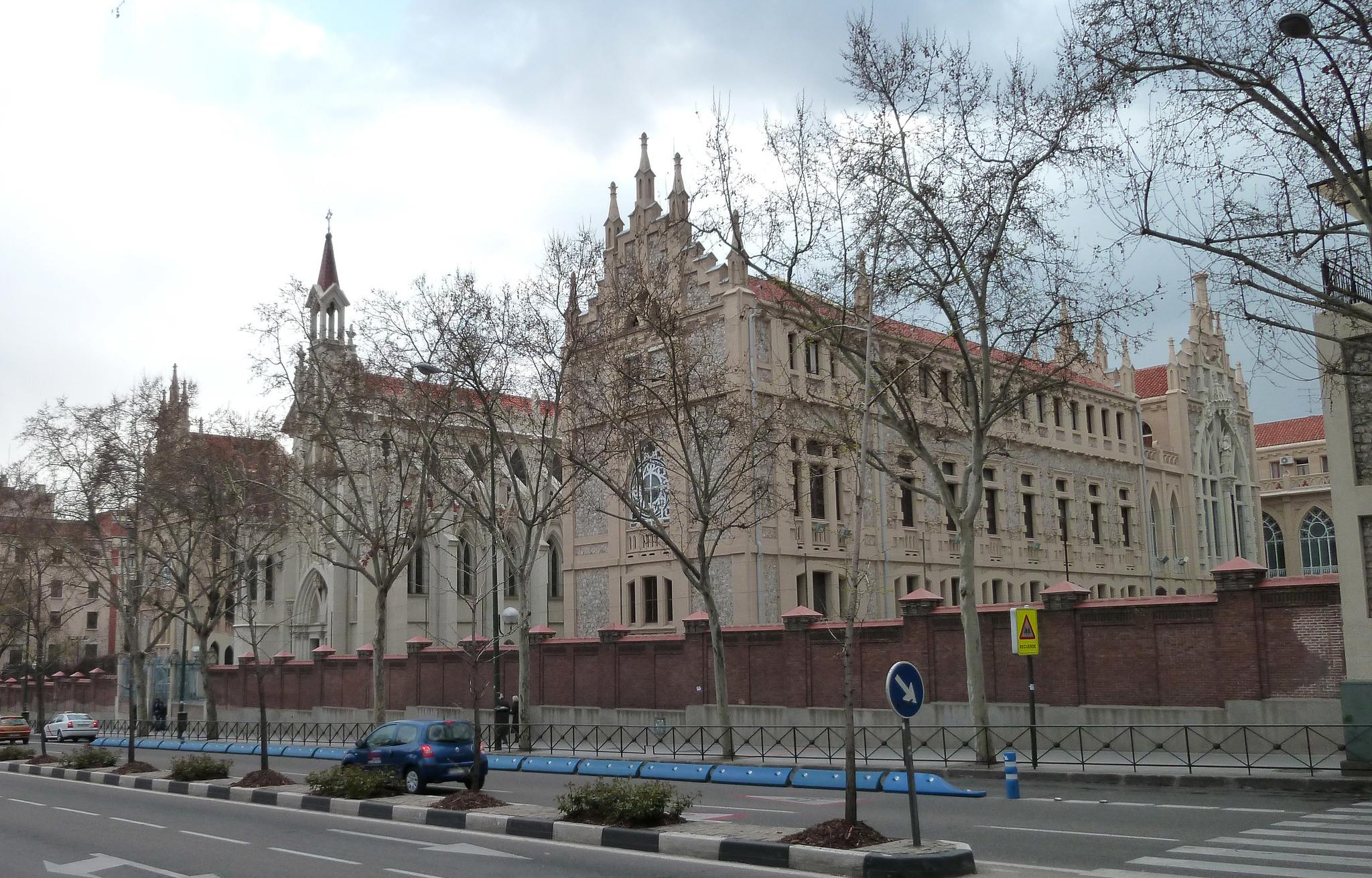 Colegio de Nuestra Señora del Pilar (marianistas) en la calle Castelló de Madrid.