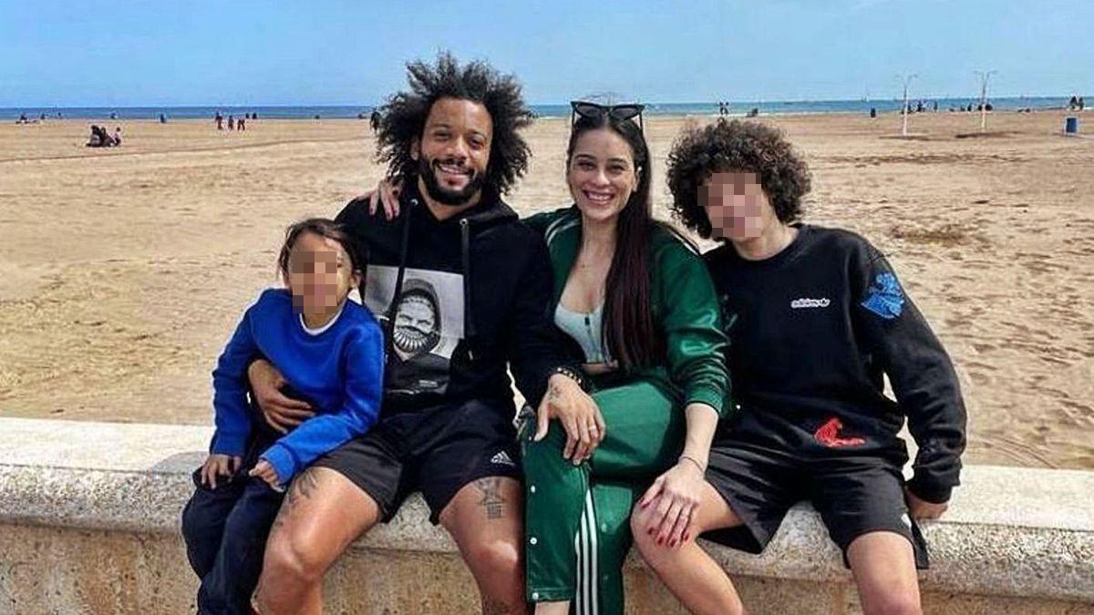 Marcelo con su mujer e hijos en Valencia