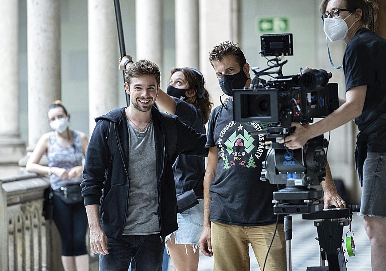 Carlos Cuevas, protagonista de Merlí, durante el rodaje