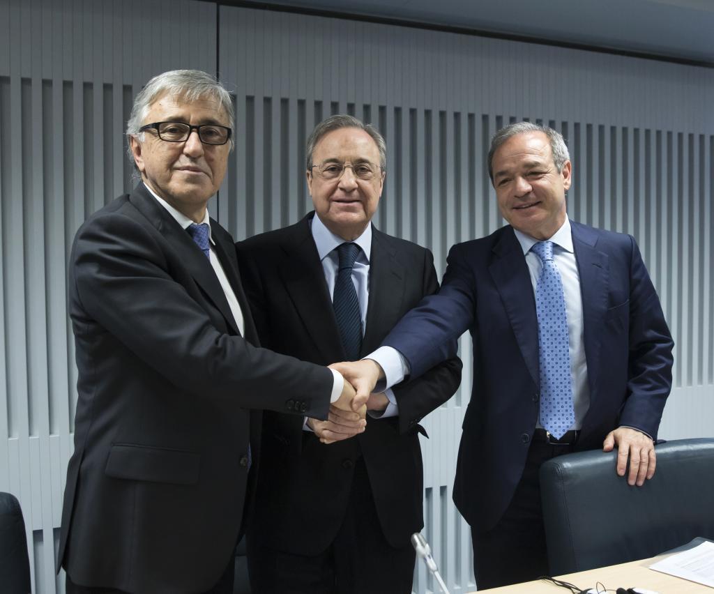 Fernández Verdes, a la derecha de la imagen, junto a Florentino Pérez.