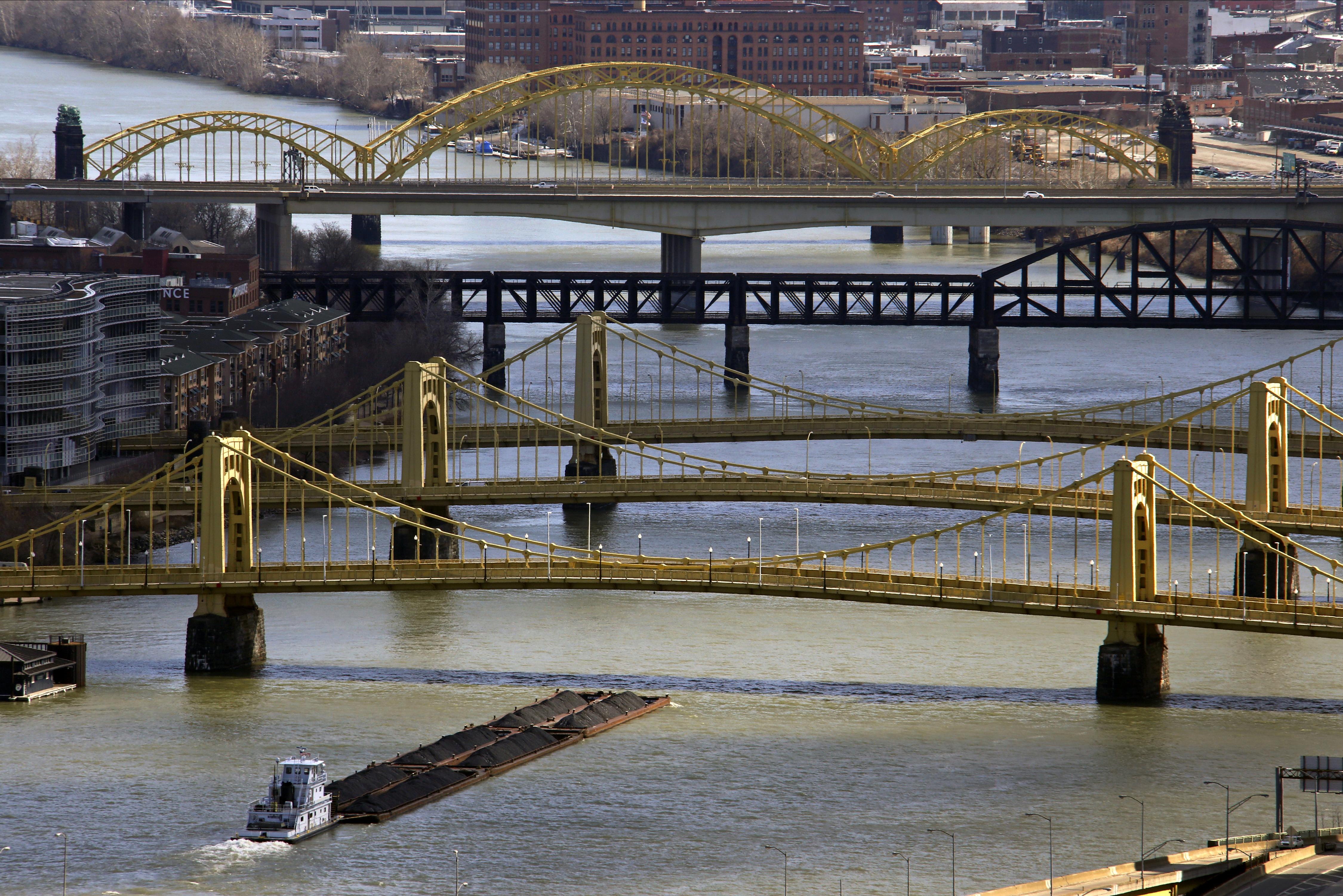 Imagen reciente de algunas de las infraestructuras de la ciudad de Pittsburgh.