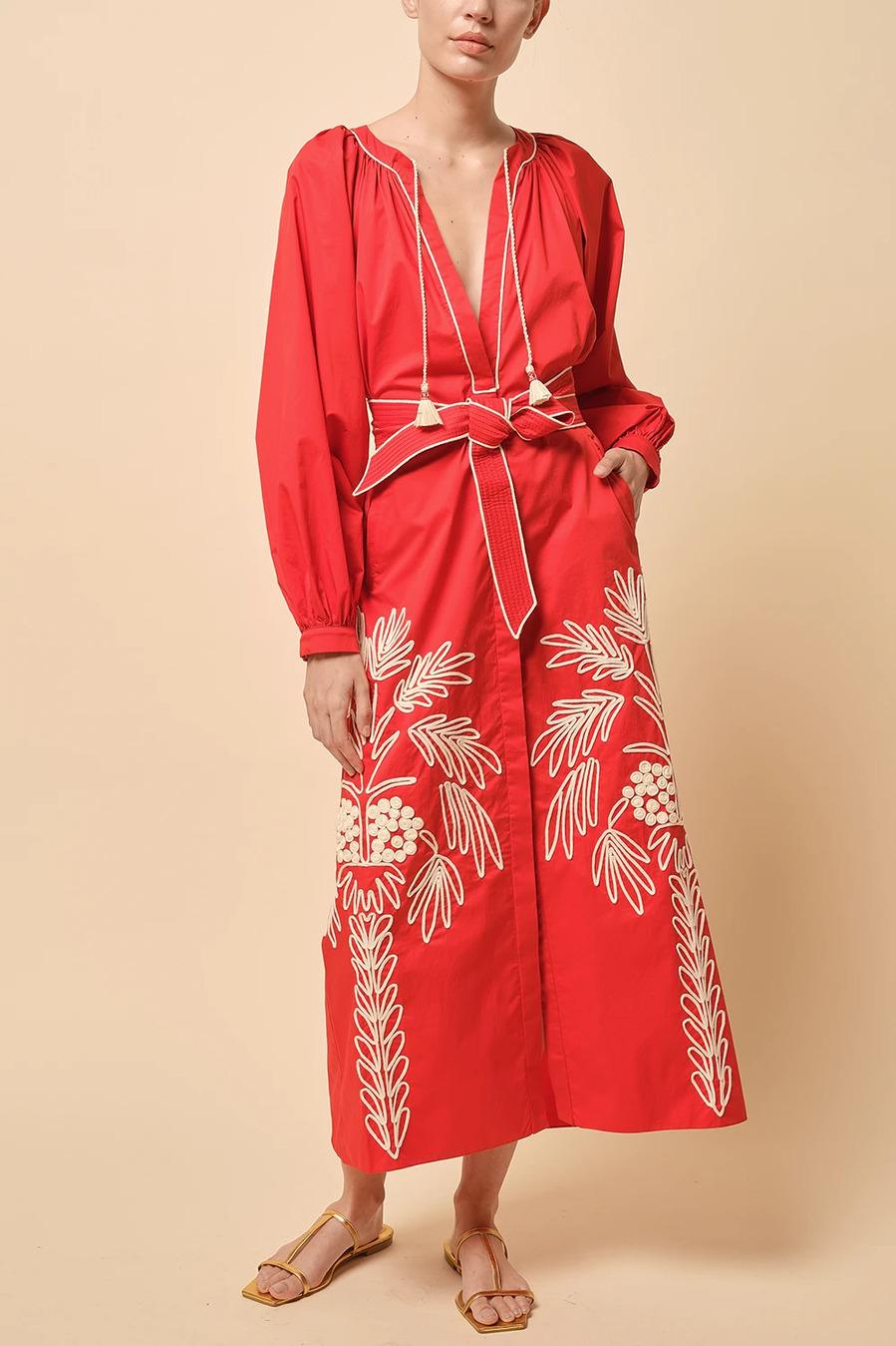 Johanna Ortiz - Los vestidos folk con bordados que te van a enamorar