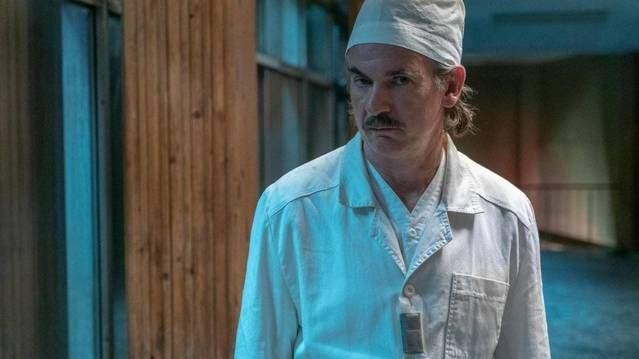 Ritter  en un fotograma de la serie 'Chernobyl' de HBO.
