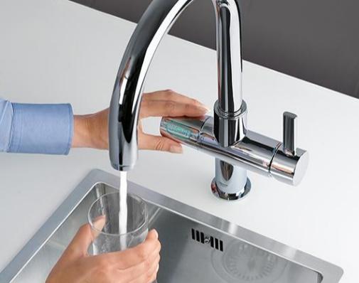 Este grifo de Grohe filtra el agua y te da agua con gas.
