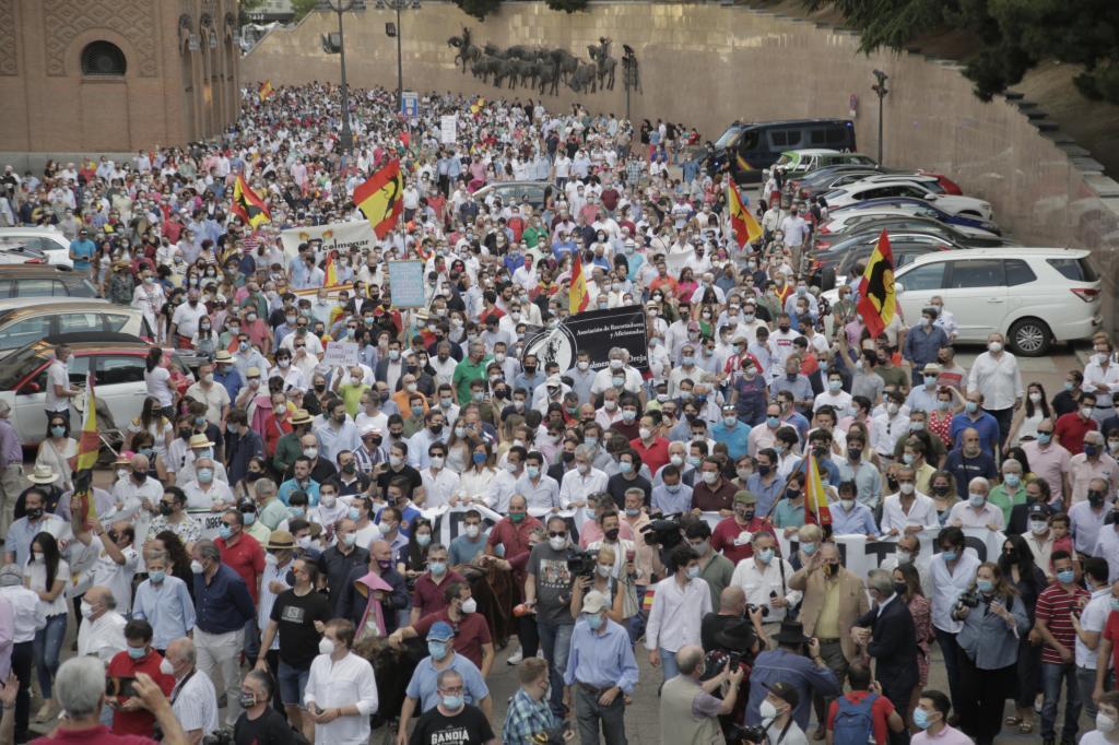 Manifestación a favor de los toros en Las Ventas