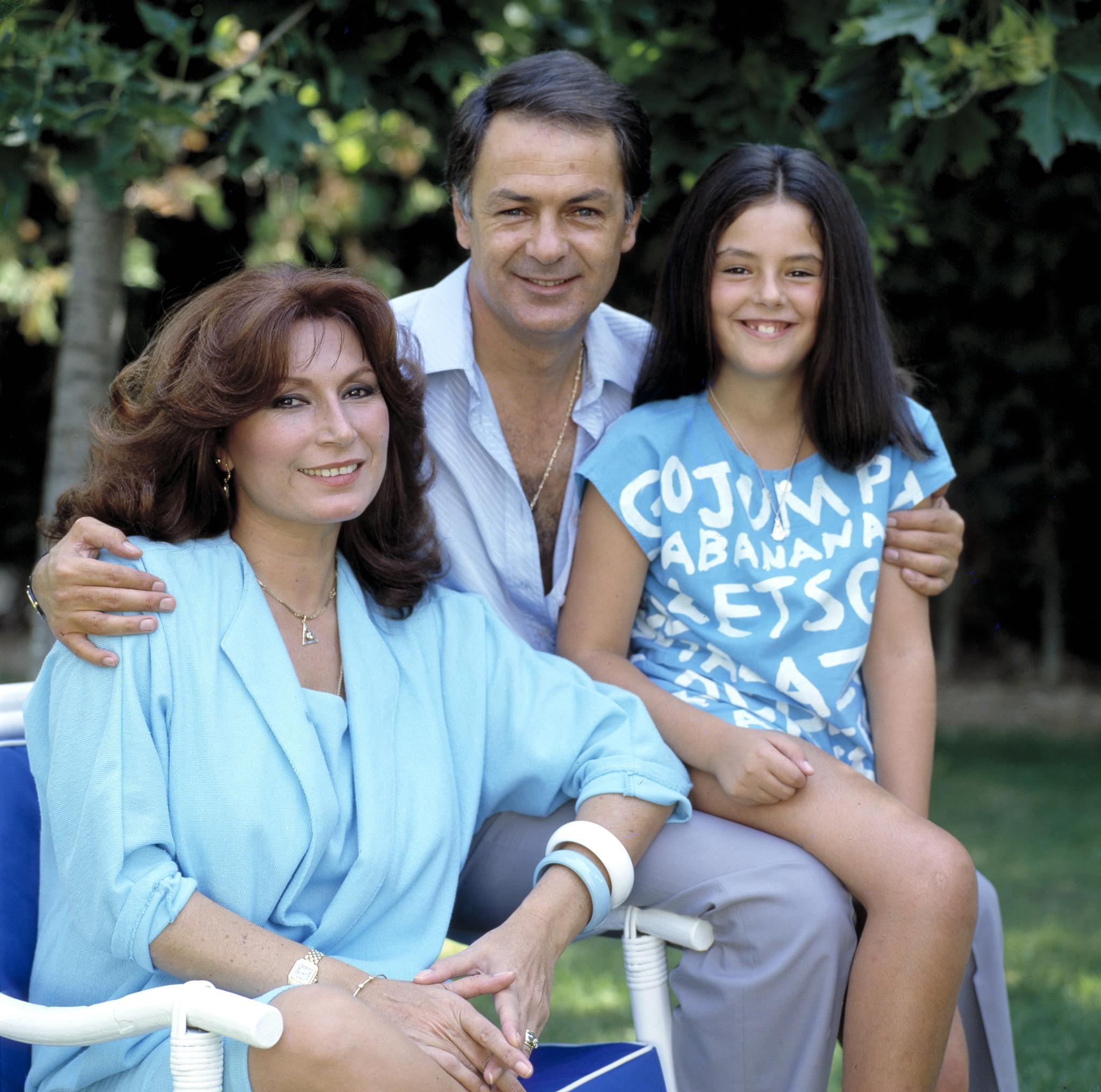 Rocío Jurado, Pedro Carrasco y la hija de ambos, Rocío, en 1985.