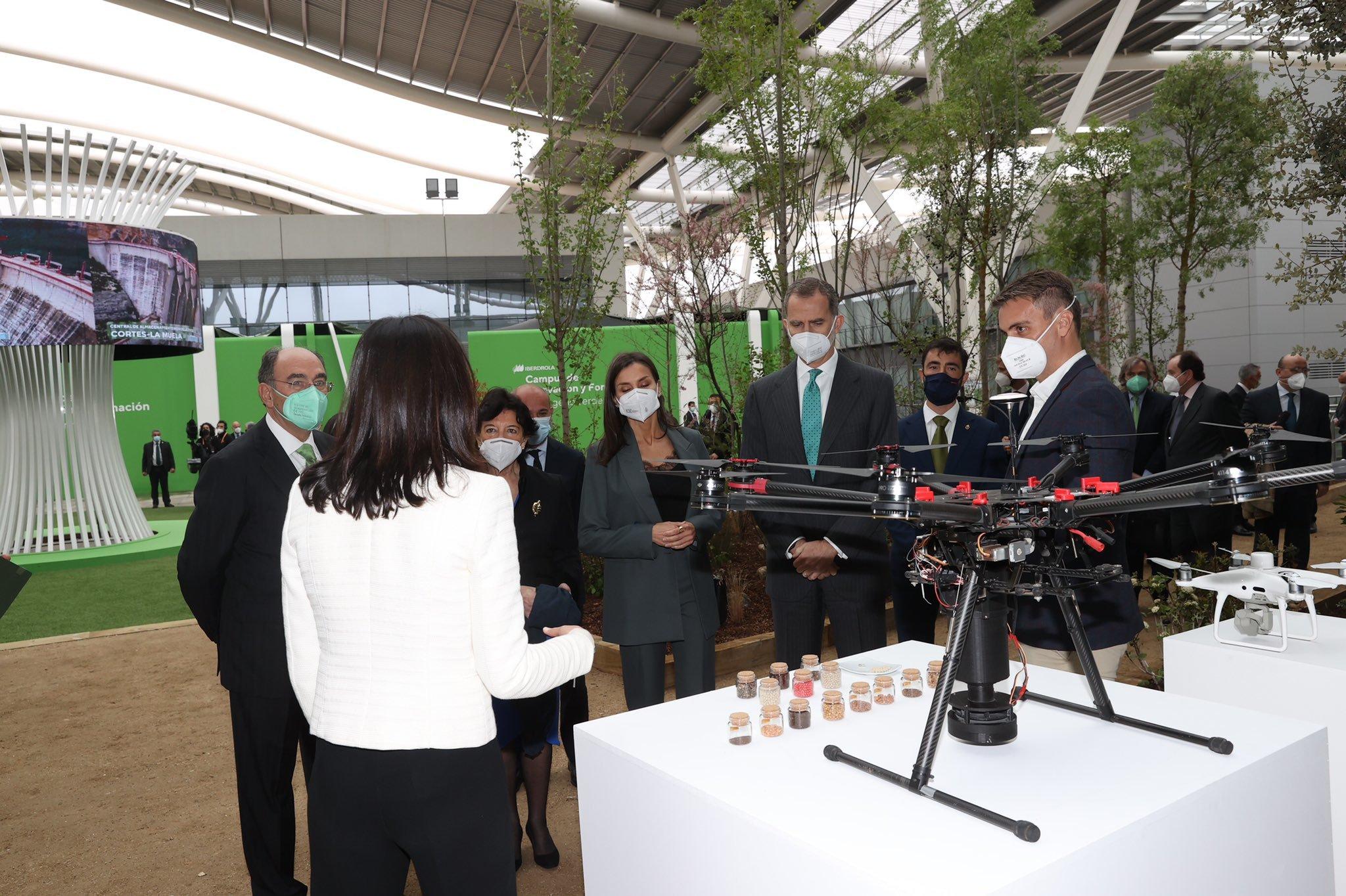 Los Reyes conocen el dron desarrollado por CO2 revolution