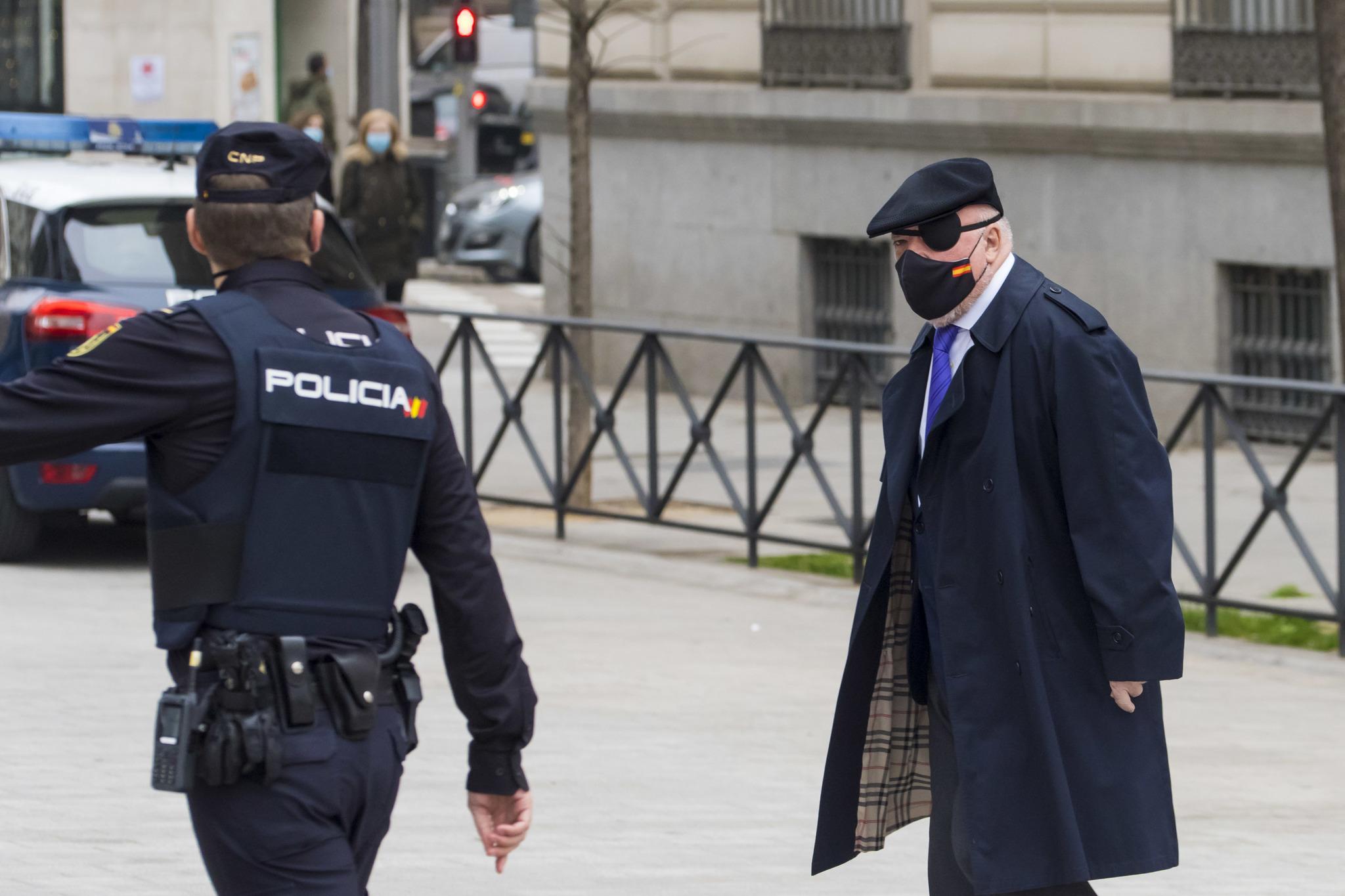 El comisario José Manuel Villarejo, a su llegada a la Audiencia Nacional tras salir de prisión.