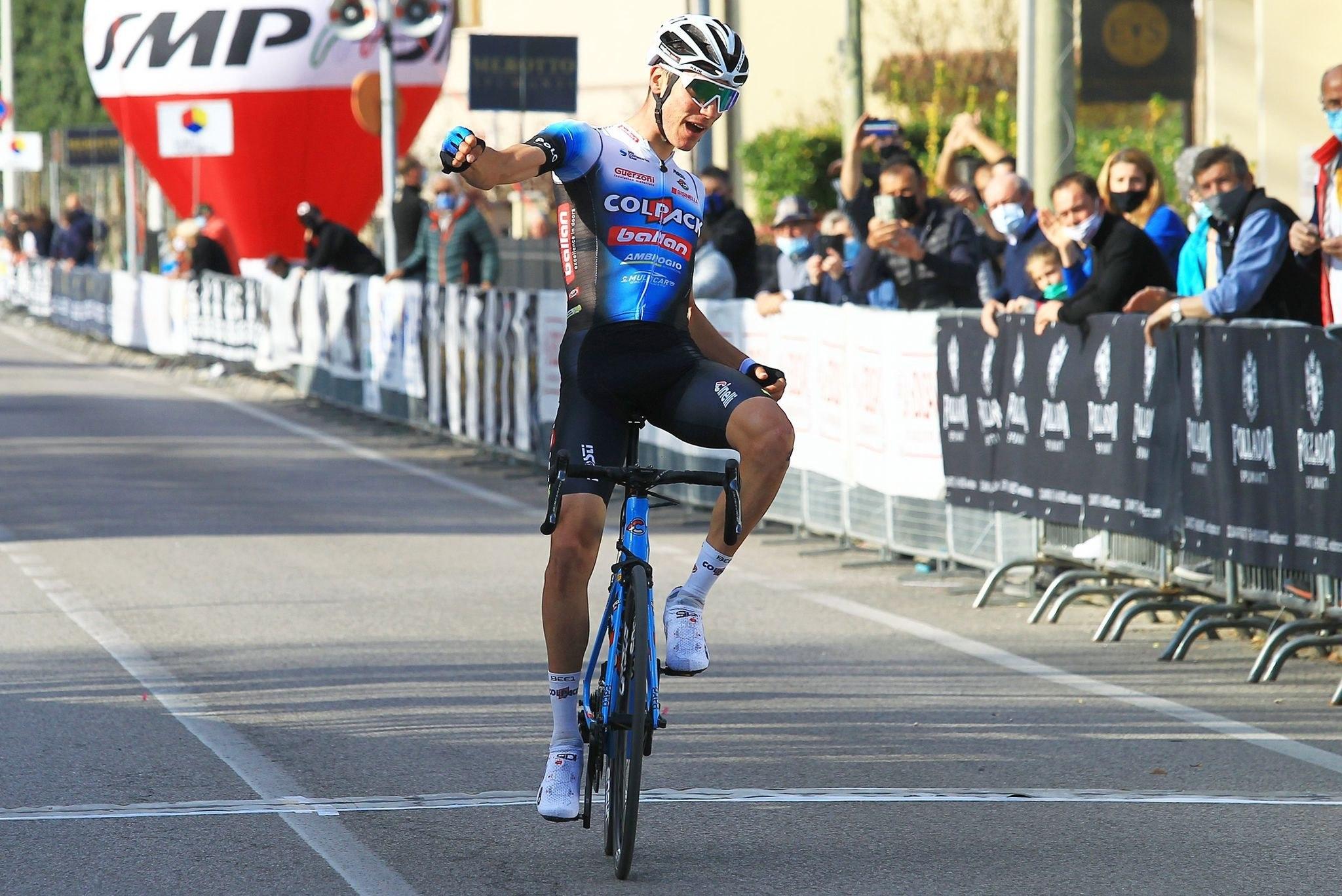 Juan Ayuso, tras ganar en Italia el Trofeo Piva.