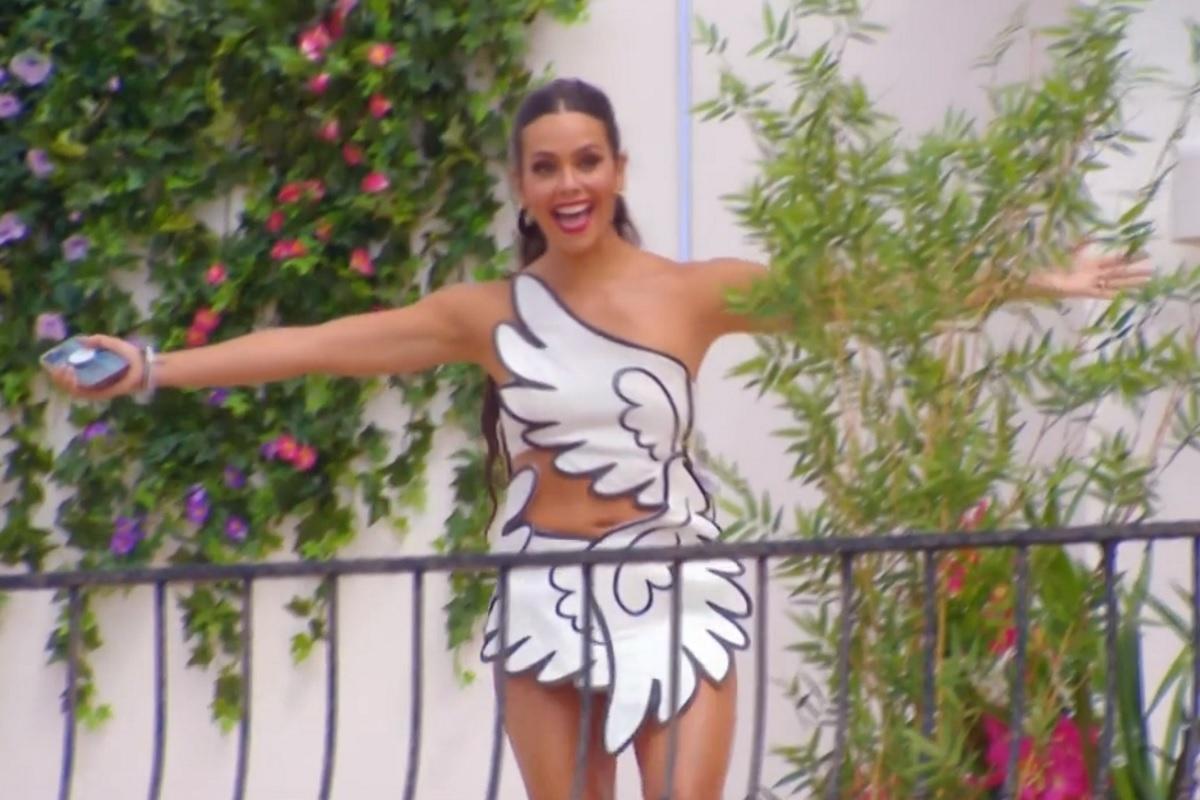 Love Island: El vestido de Cupido de Cristina Pedroche y los mejores memes del primer programa