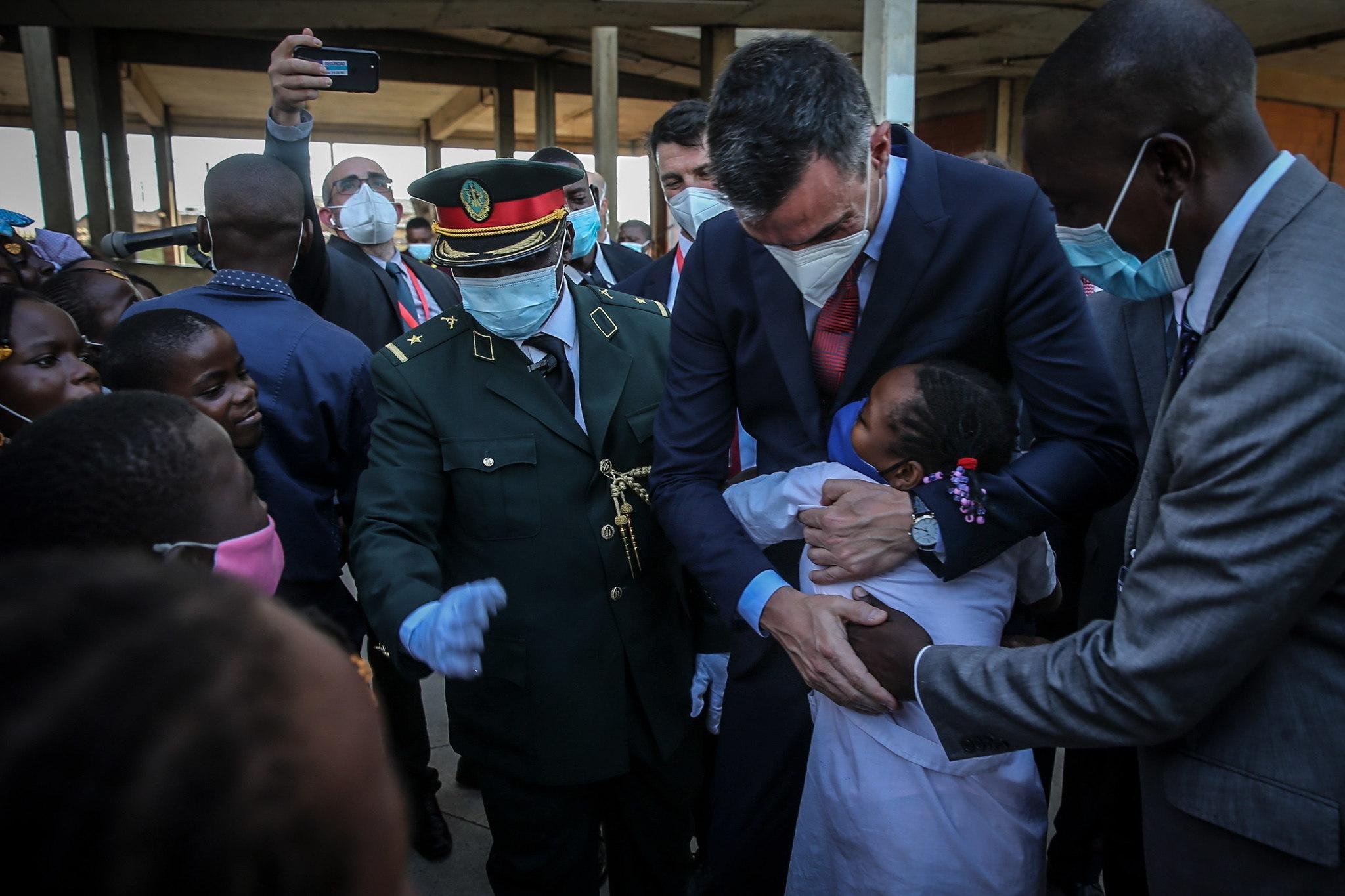 El presidente Sánchez, en su viaje a Angola.