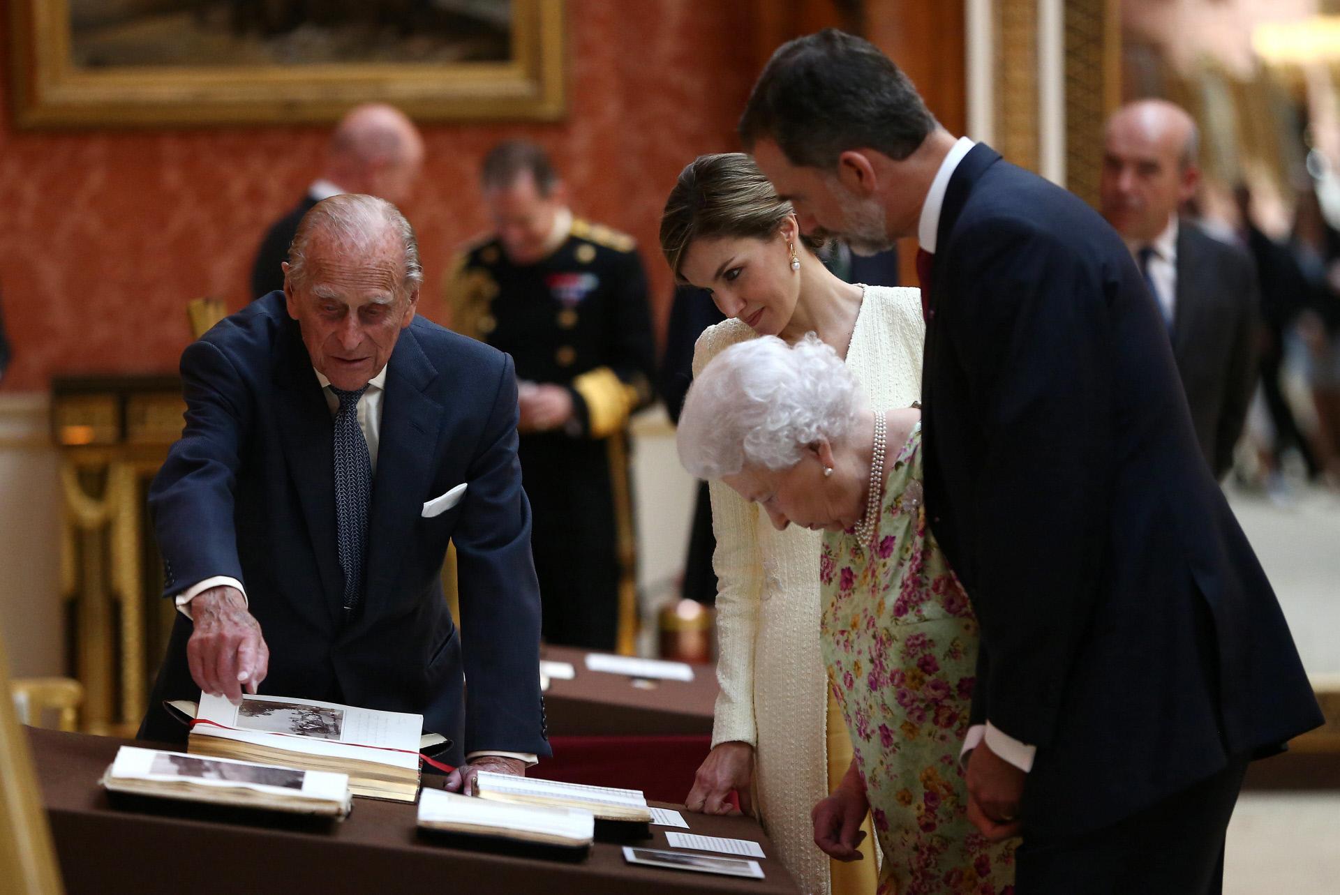 Los Reyes junto a Isabel II y Felipe de Edimburgo