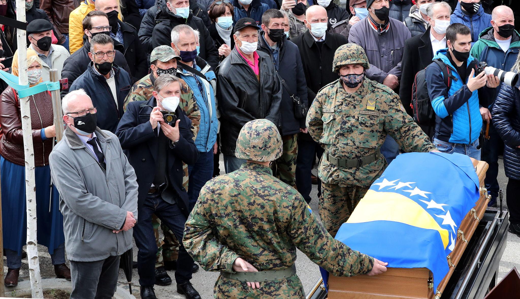 Funeral de Jovan Divjak, en Sarajevo.