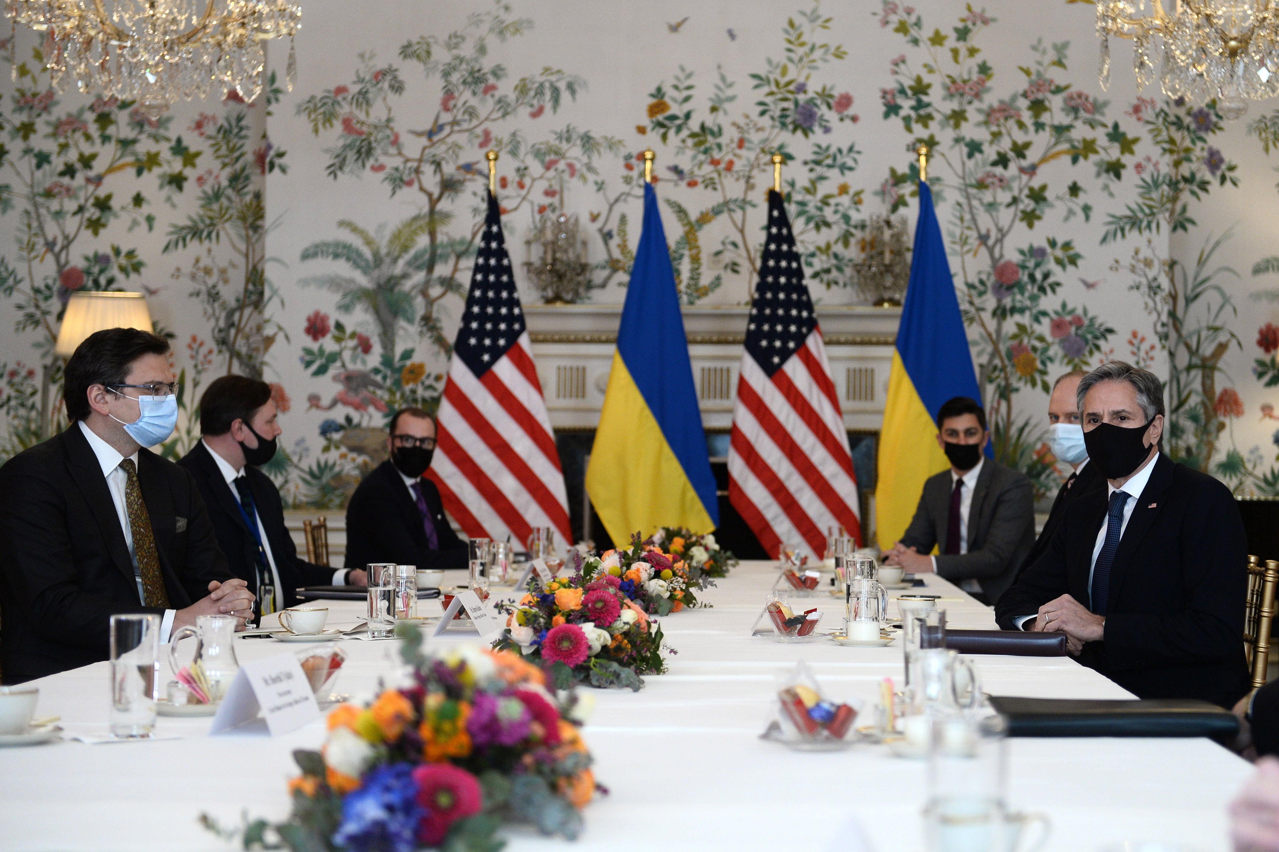 Reunión entre Antony Blinken y el Ministro de Exteriores ucraniano, Dmytro Kuleba, este martes.