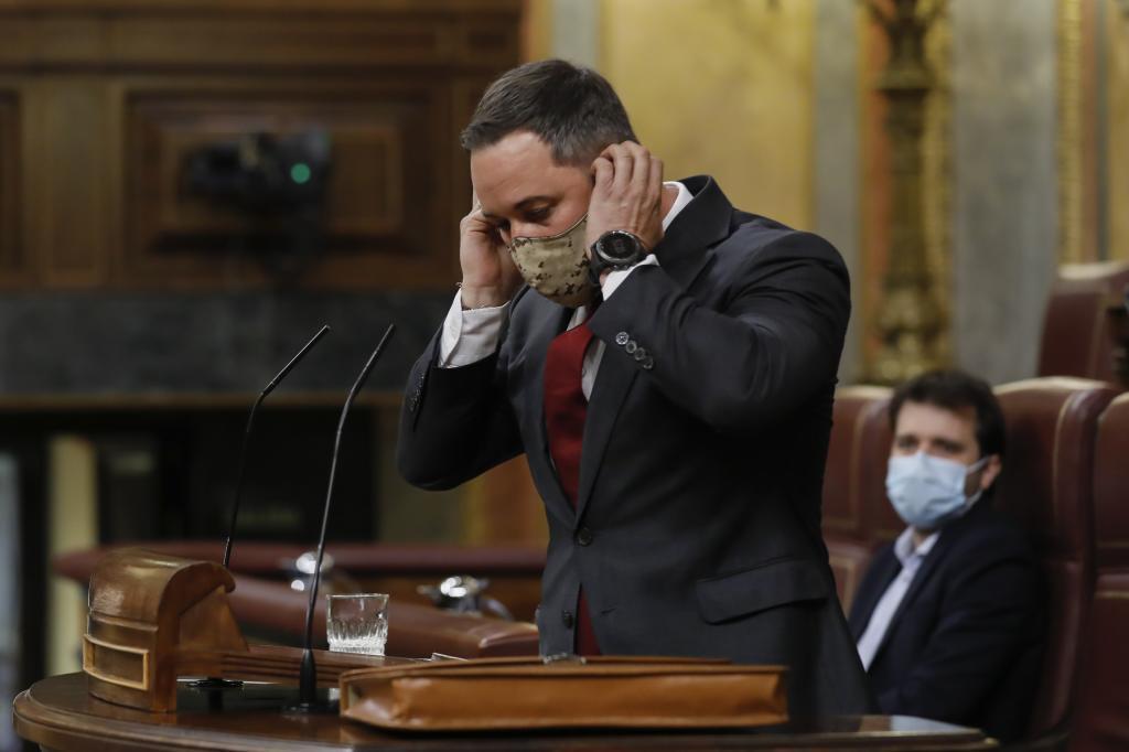 Santiago Abascal, desde la tribuna de oradores.