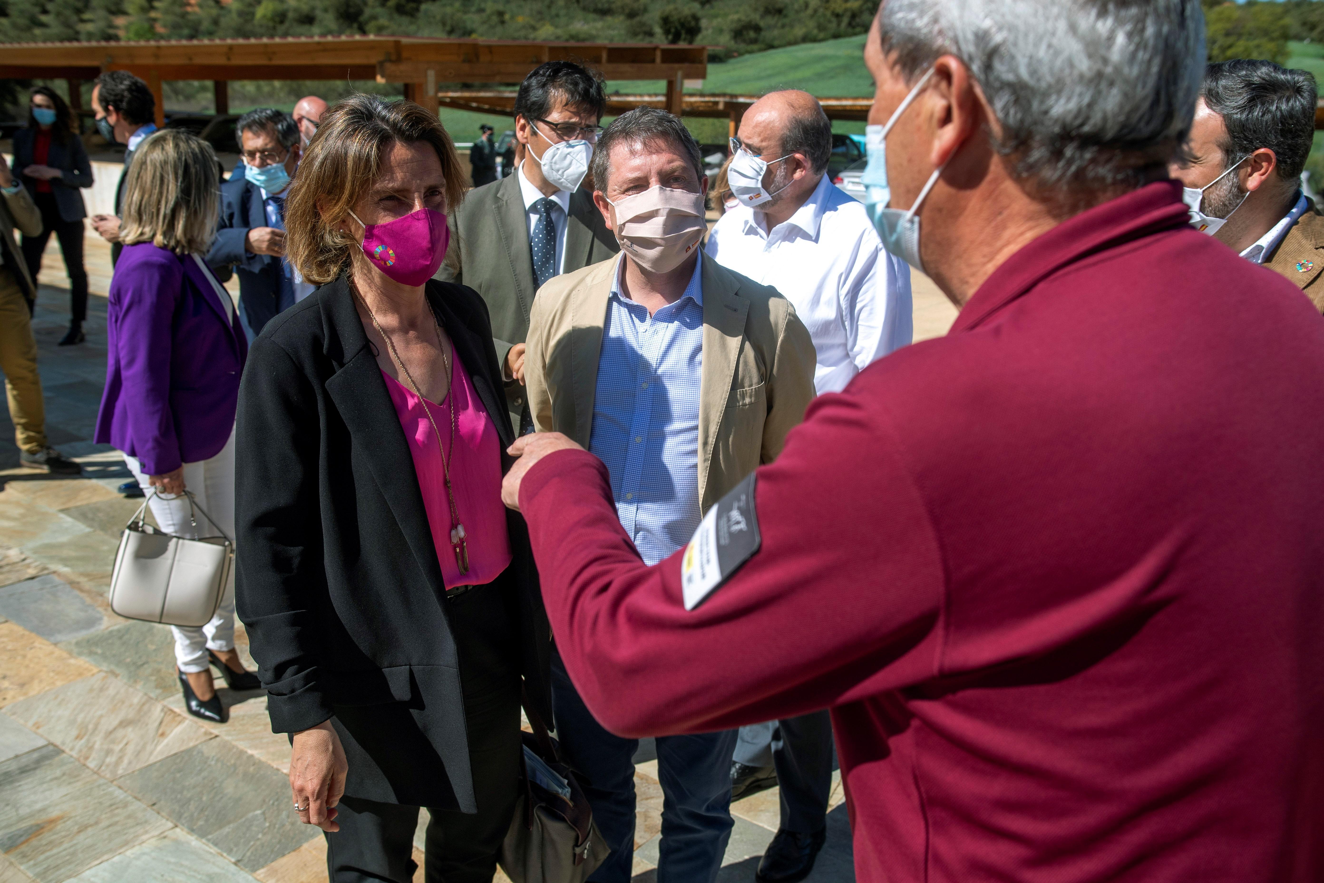 La vicepresidenta cuarta del Gobierno, Teresa Ribera, y Emiliano García-Page, el pasado 6 de abril.