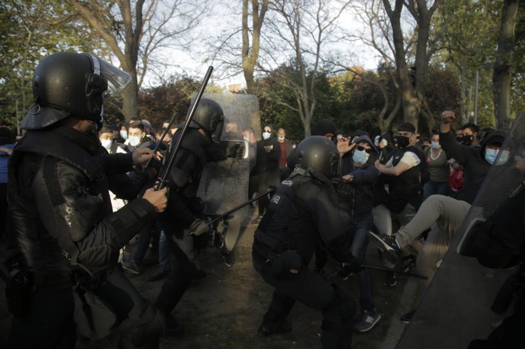 Incidentes durante el mitin de Vox en Vallecas.