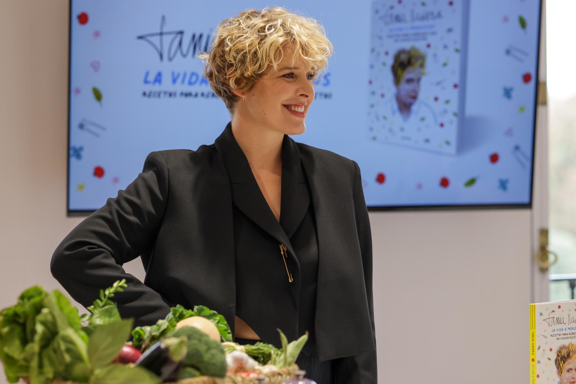 Tania Llasera en la presentación de su libro.