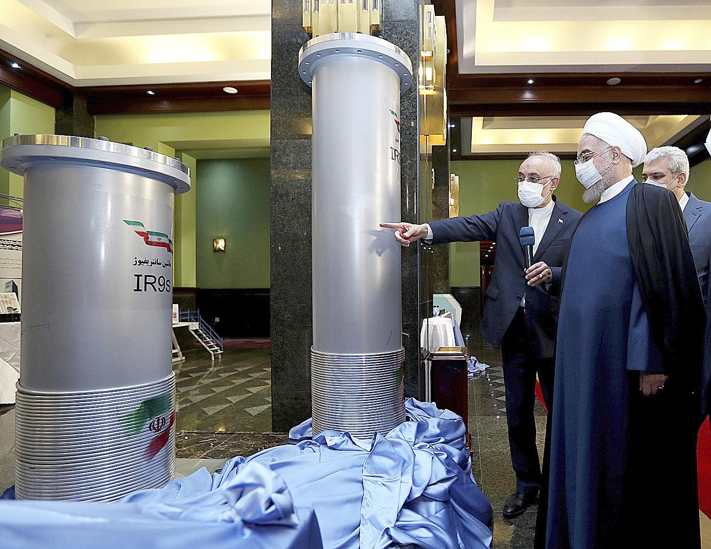 Hasan Rohani en una instalación nuclear de Teherán.