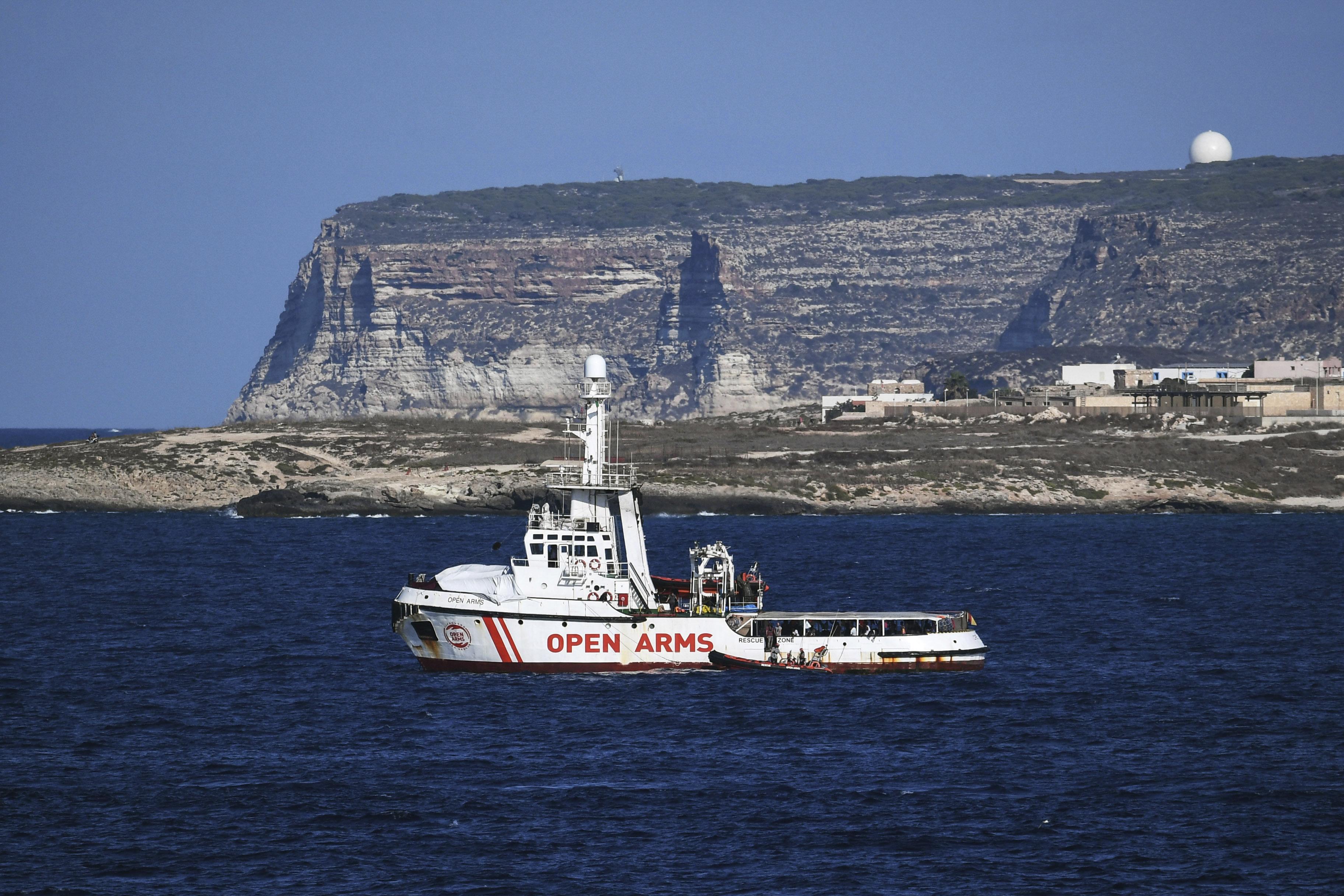 El buque español Open Arms en Lampedusa en 2019.