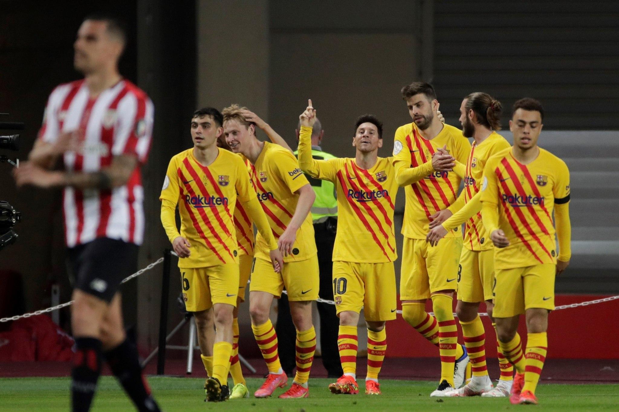 Leo Messi celebra uno de sus dos goles ante el Athletic.