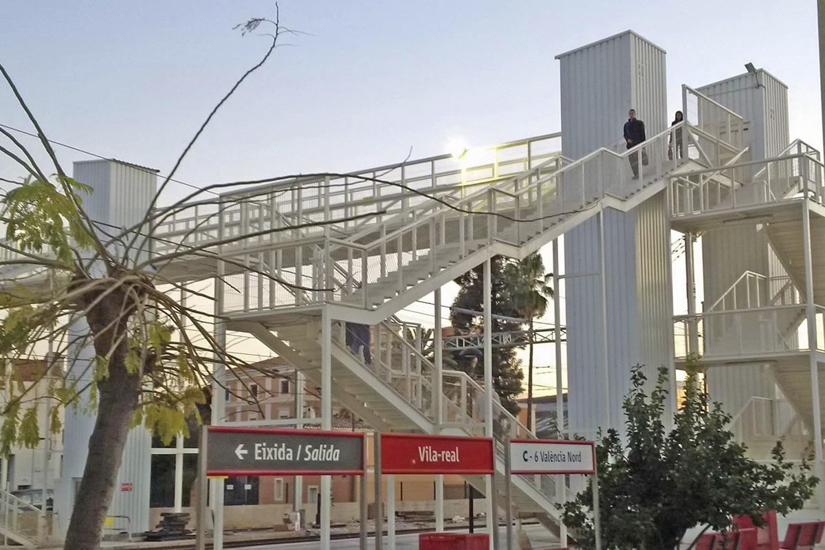 El Ministerio invirtió casi 1 millón de euros en la pasarela de la estación, a petición del consistorio en 2010.