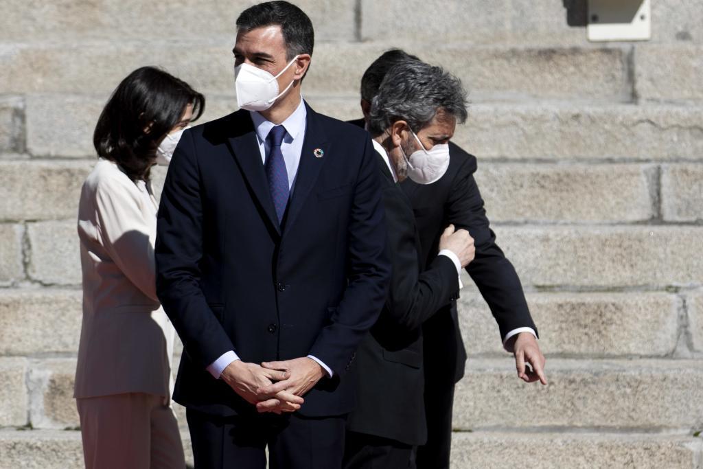 Pedro Sánchez y Carlos Lesmes, en el acto por el 40 aniversario del frustrado golpe del 23-F.