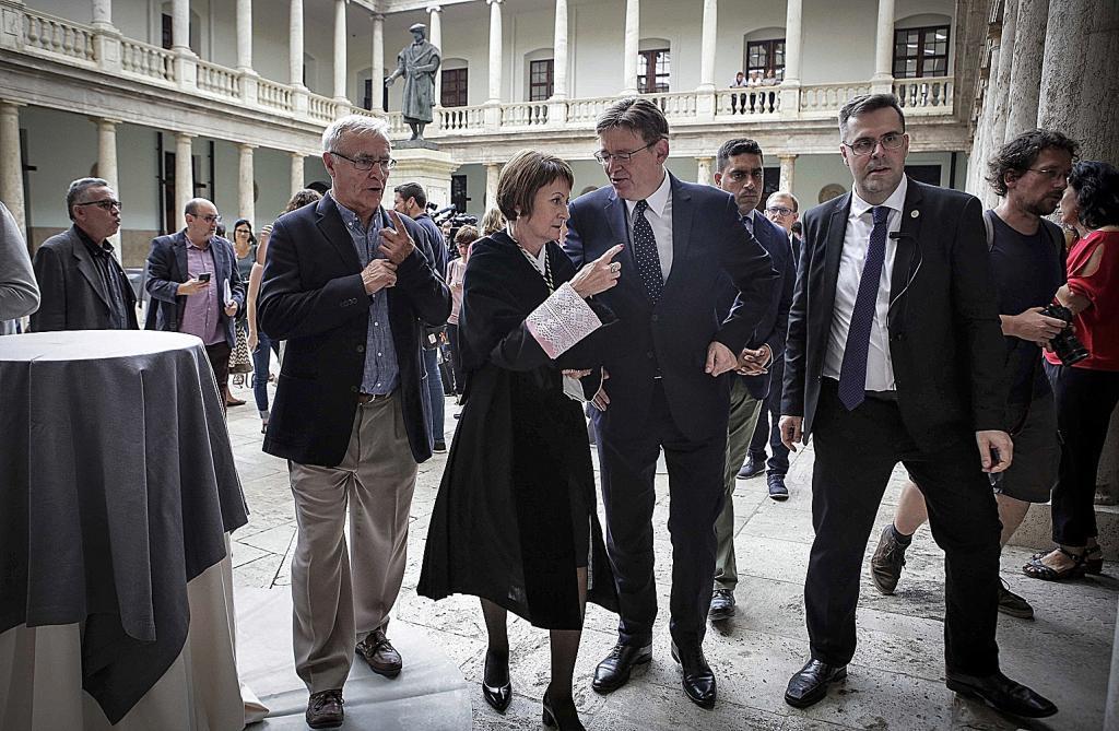 La rectora de la UV, Mavi Mestre, junto al alcalde Joan Ribó y el presidente Ximo Puig.