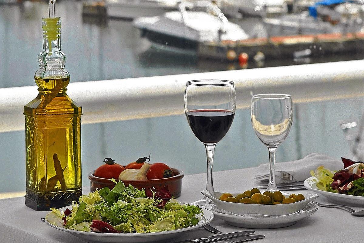 Alimentos esenciales de la dieta mediterránea.