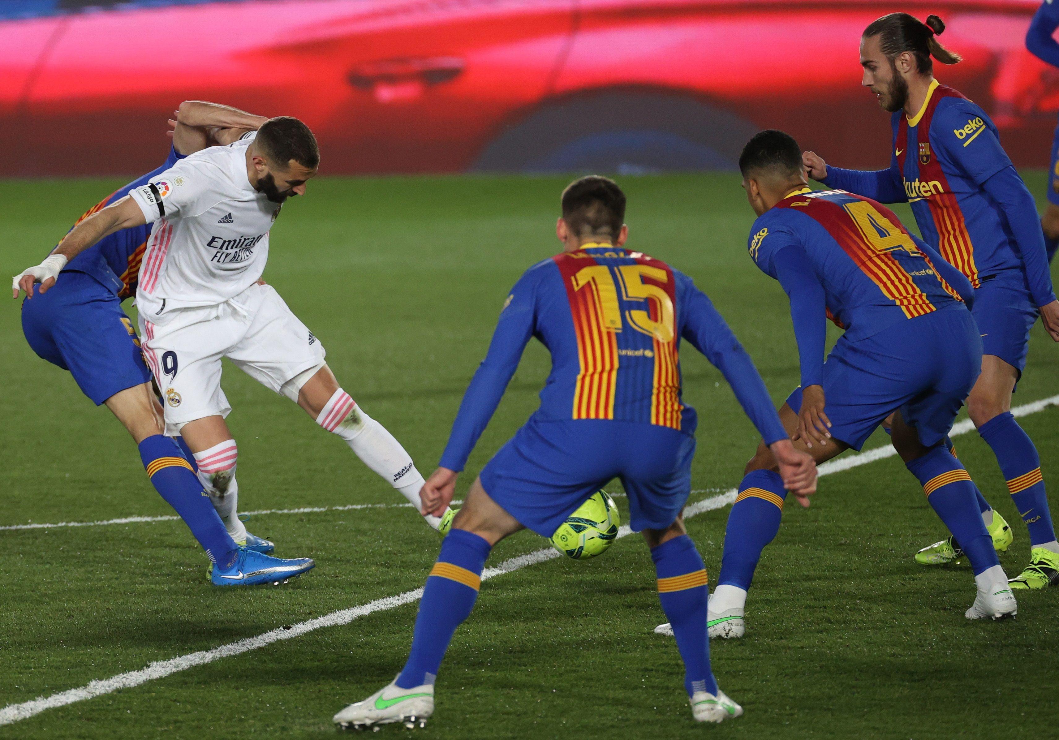 Jugadores del Real Madrid y Barcelona, dos de los clubes fundadores de la Superliga.