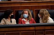 Carmen Calvo, Nadia Calviño y Yolanda Díaz, en el Congreso.
