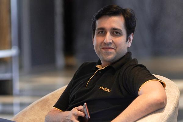 Madhav Sheth, en las oficinas de Realme