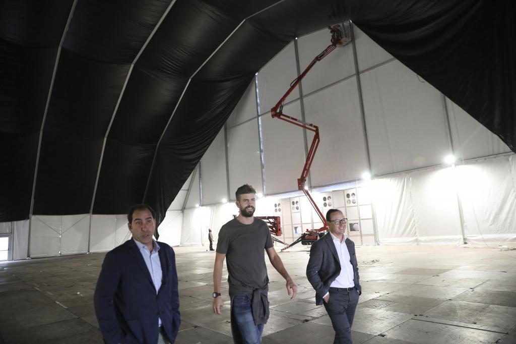 Gerard Piqué y Albert Costa, en la Caja Mágica, poco antes de la Copa Davis 2019.