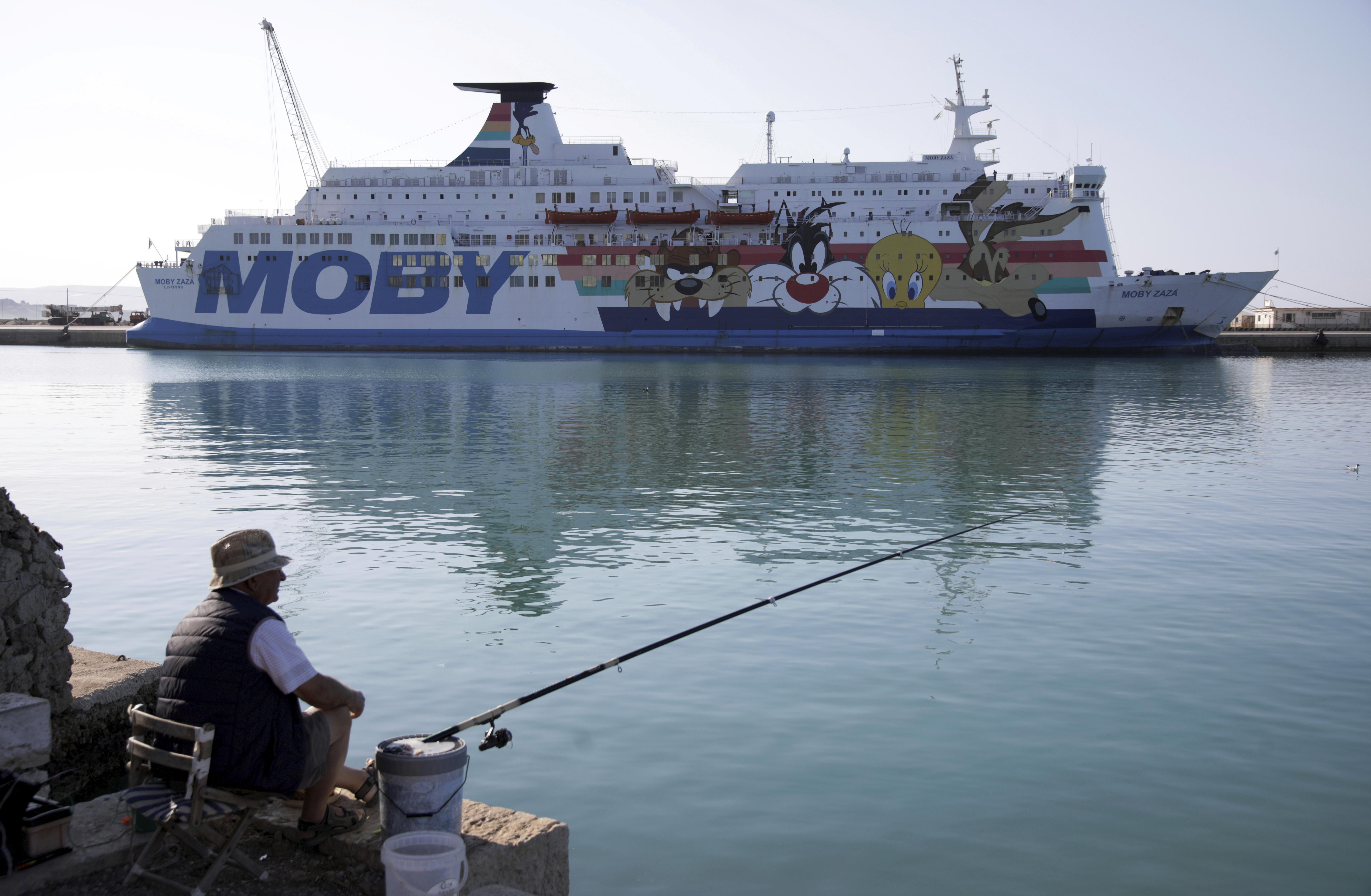 El Moby Zàza, amarrado en Sicilia como barco cuarentena.