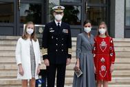 La Familia Real a su llegada al astillero de Navantia