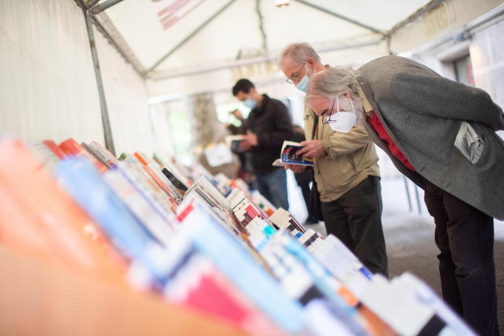 Feria del libro en Santiago de Compostela en 2020.