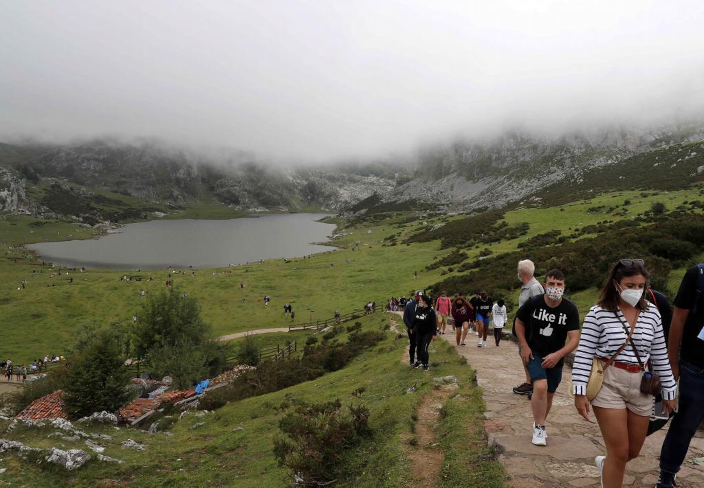 Turistas en los Picos de Europa el pasado mes de agosto