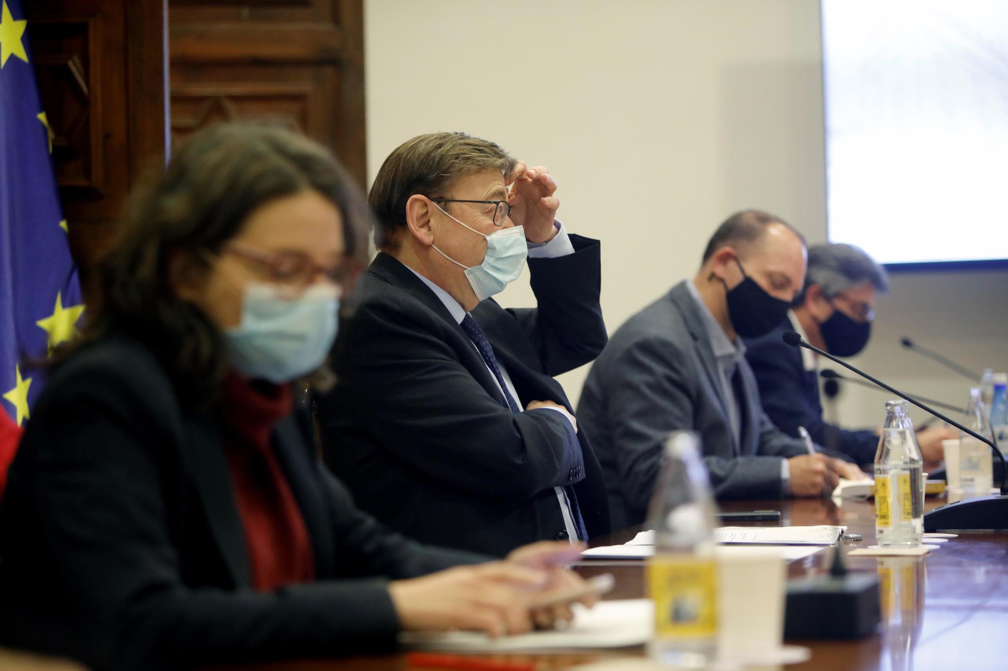 El presidente Puig, junto a los vicepresidentes Oltra y Martínez Dalmau, en la reunión.