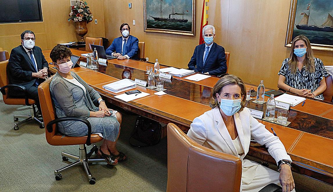 Los altos cargos miembros del consejo gestor del Fondo de Solvencia que aprobaron el rescate